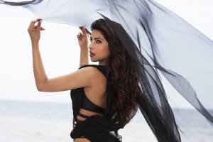 Priyanka-Chopra-hot